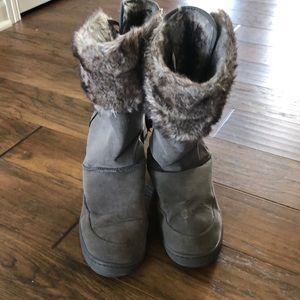 Fashion winter boots size 8.5